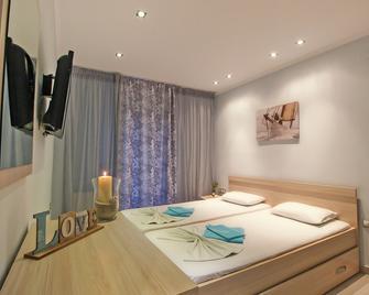 Athena's Studios - Kassandreia - Bedroom