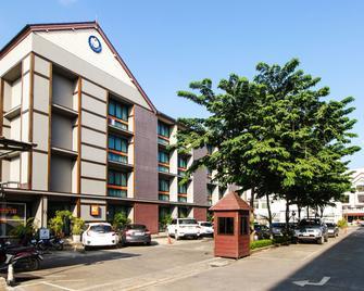 B2 Chiang Rai Boutique & Budget Hotel - Chiang Rai - Building