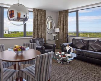 Radisson Blu Hotel, Dublin Airport - Cloghran - Obývací pokoj