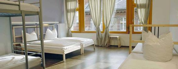 Baxpax Downtown Hostel Hotel in Berlin ab 15 CHF: Angebote ...