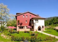 Hotel Rural Casa de Campo - Soto de Cangas - Edificio