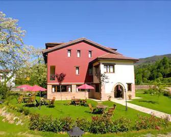 Hotel Rural Casa de Campo - Soto de Cangas - Building