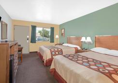 Super 8 by Wyndham St. George UT - Saint George - Bedroom
