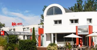 Ibis Poitiers Beaulieu - Poitiers - Building