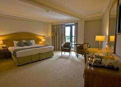 Parkview Hotel - Newtownmountkennedy - Bedroom