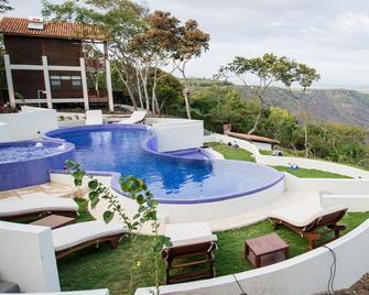 Pacaya Lodge & Spa - Masaya - Pool