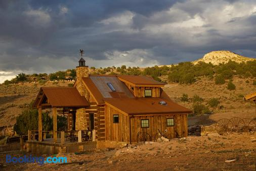 Canyon Of The Ancients Guest Ranch - Cortez - Building