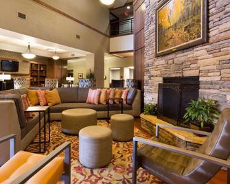 Drury Inn & Suites Flagstaff - Flagstaff - Lounge