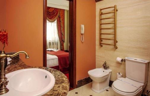Staro Hotel - Kiev - Bathroom
