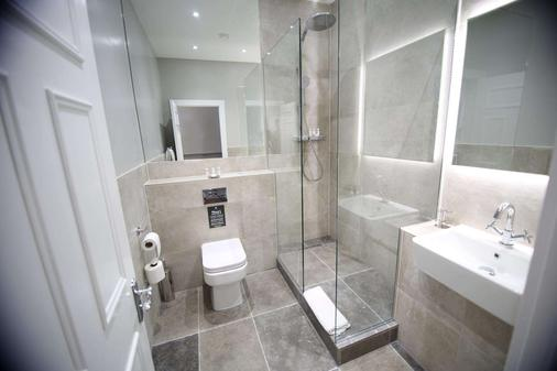 Hatton Court Hotel - Gloucester - Phòng tắm