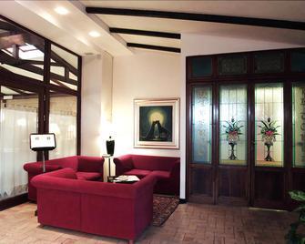 Hotel La Torre - Mergo - Huiskamer