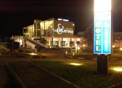 Hotel Bed & Business - San Giovanni Teatino - Edificio