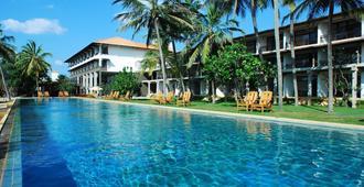 Jetwing Beach - Negombo - Bể bơi