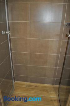 Guesthouse Bakarac - Bakarac - Bathroom