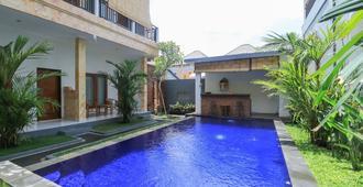 Canggu Kayuma House - North Kuta - Pool