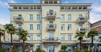 Hotel Galeb - Opatija - Building