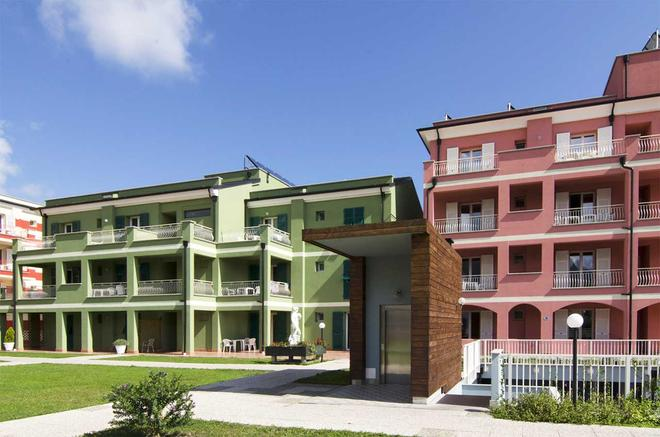 Ai Pozzi Village & Spa Hotel - Loano - Building