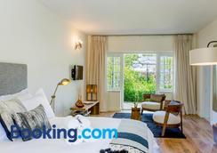 Macaron Boutique Guest House - Franschhoek - Bedroom
