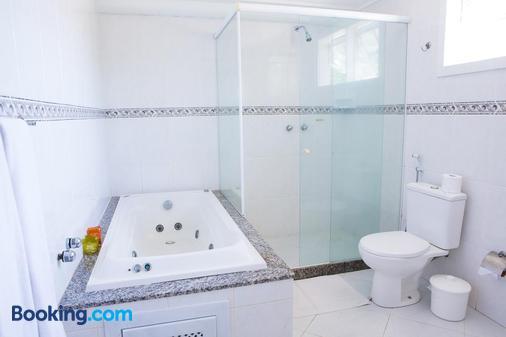 馬貝拉旅館 - Buzios (布基亞斯濱海碼頭) - 布希奧斯 - 浴室