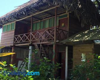 Casa de la Iguana - Livingston - Edificio