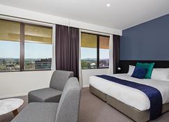Mantra Macarthur Hotel - Canberra - Bedroom