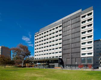 Mantra Macarthur Hotel - Canberra - Building
