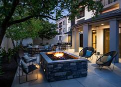 Courtyard by Marriott Cincinnati Airport South/Florence - Florence - Patio