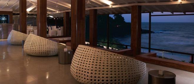 Taj Fort Aguada Resort & Spa, Goa - Candolim - Bar