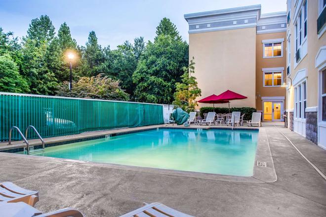 Comfort Suites at Isle of Palms Connector - Mount Pleasant - Pool