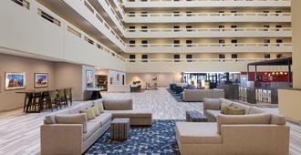 Holiday Inn Denver East, An IHG Hotel - דנבר - טרקלין