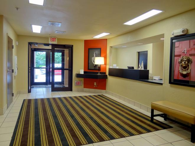 Extended Stay America - Raleigh - Cary - Regency Parkway N - Cary - Aula