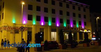 Hotel Bistrita - Бакау