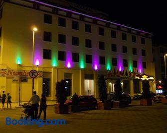 Hotel Bistrita - Bacău - Building