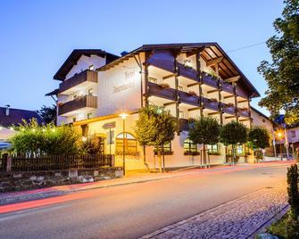 Best Western Hotel Antoniushof - Schönberg (Niederbayern) - Gebäude