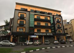 Padungan Hotel - Kuching - Building
