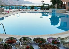 艾古爾飯店 - 費特希耶 - 游泳池