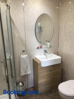 Thornbank House - Stranraer - Bathroom