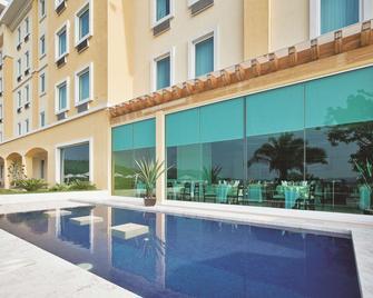La Quinta by Wyndham Poza Rica - Poza Rica de Hidalgo - Byggnad