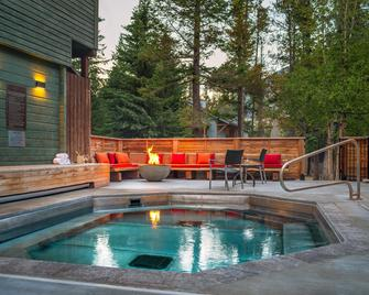 Buffalo Mountain Lodge - Banff - Pool