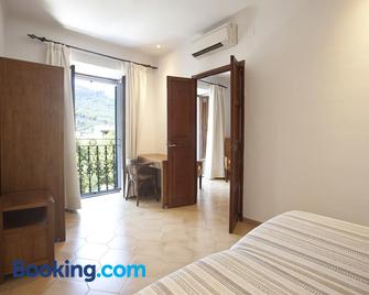 Hotel La Vila - Сольєр - Bedroom