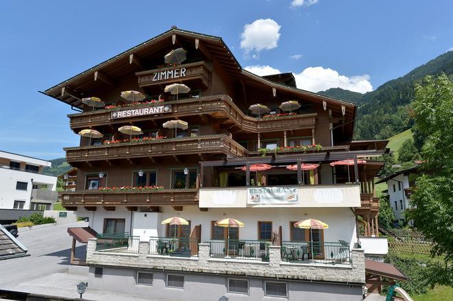 Hotel Eckartauerhof - Mayrhofen - Building