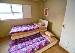 Kimchee Gyeongbokgung Guesthouse - Seoul - Bedroom
