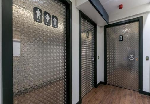 Code Pod Hostels - The Loft - Edinburgh - Flur
