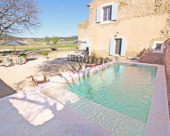 Domaine la Carraire - Lauris - Pool