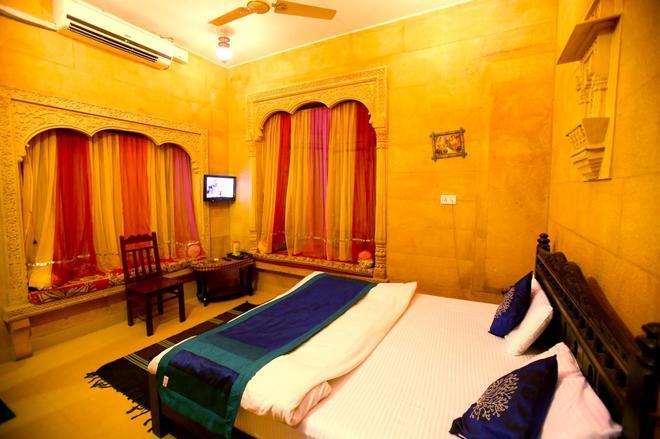Hotel Royal Haveli - Jaisalmer - Makuuhuone