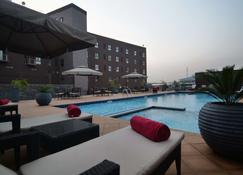 Oak Plaza Suites - Kumasi - Basen