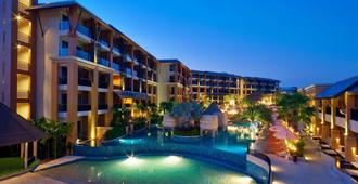 Rawai Palm Beach Resort (Sha Plus+) - Rawai