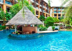 Rawai Palm Beach Resort (Sha Plus+) - Rawai - Pool