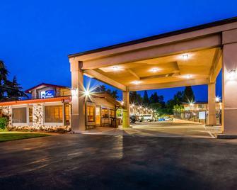 Best Western Golden Key - Auburn - Building