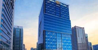 Jannah Burj Al Sarab - Abu Dhabi - Gebouw